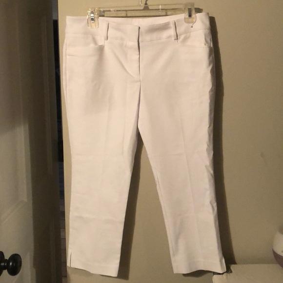 NY&Co white capris, size 8P